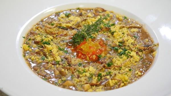 Caldinho de feijão vegetariano  (Foto: Divulgação )