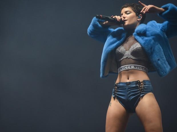 Halsey se apresenta no palco Axe do Lollapalooza 2016 (Foto: Flavio Moraes/G1)