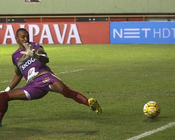 Máximo, goleiro do Galvez (Foto: Sérgio Vale/Secom)