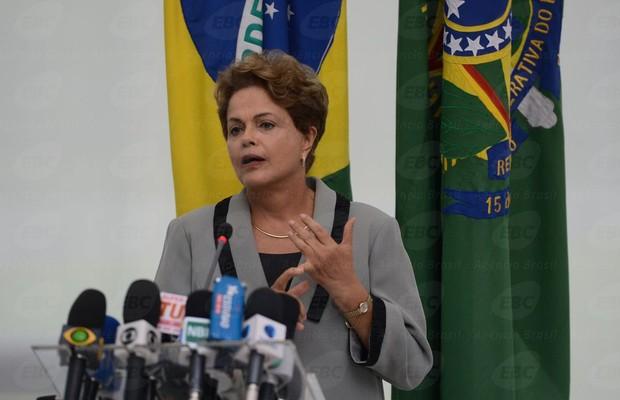 Dilma reclama de preconceito de gênero sobre sua maneira de governar