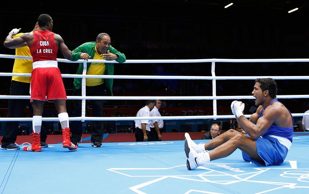 Julio la Cruz Peraza e Yamaguchi Falcao Florentino, Brasil x Cuba, Boxe (Foto: Agência Reuters)