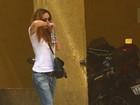 Ex-mulher de Chorão se emociona em IML de São Paulo