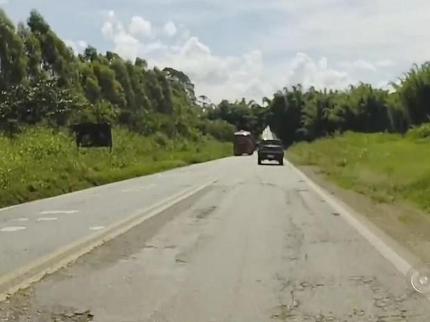 DER promete que obras vão deixar pista em ótimas condições (Foto: Reprodução/ TV TEM)