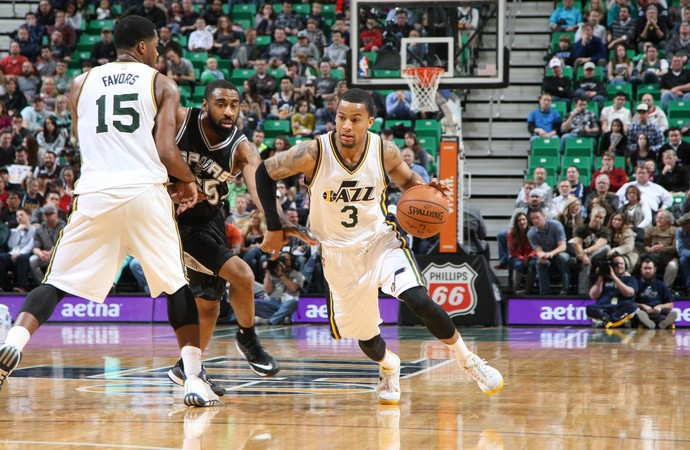 Trey Burke Jazz x Spurs NBA (Foto: Getty)