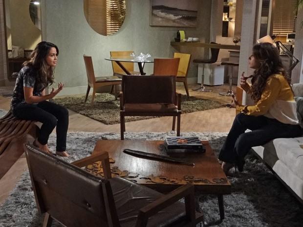 Morena quer saber se Théo casou mesmo com Érica (Foto: Salve Jorge/TV Globo)