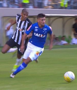 Leonardo Silva; Arrascaeta; Atlético-MG; Cruzeiro (Foto: Reprodução / Premiere)