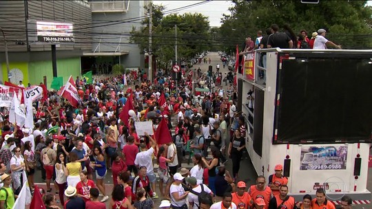 Manifestantes bloqueiam rodovias em Minas Gerais e no Espírito Santo