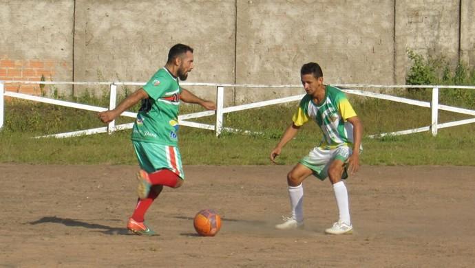 Curuá tem início melhor, mas acaba levando o gol (Foto: Elton Pereira)