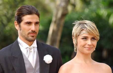 Em cena com Reynaldo Gianecchini em 'Da cor do pecado', novela de 2004 em reprise no Vale a Pena Ver de Novo João Miguel Junior/ TV Globo