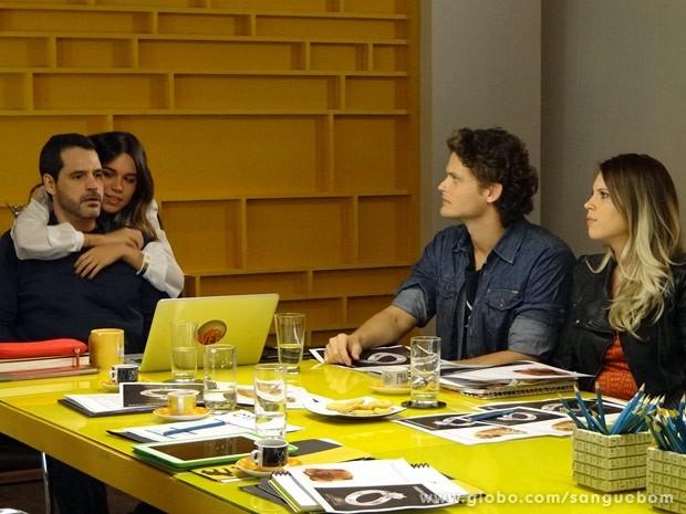 Mel diz que vai ajudar Natan (Foto: Sangue Bom / TV Globo)