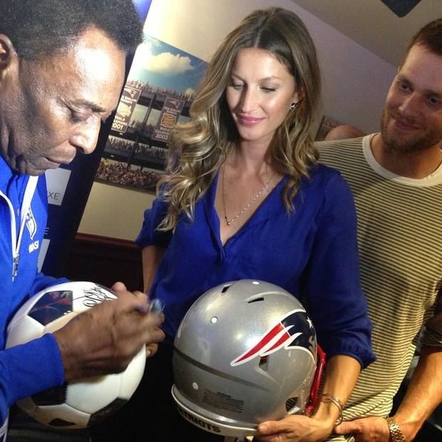 """Pelé postou foto com Gisele e Tom Brady: """"boa sorte hoje"""" (Foto: Reprodução)"""
