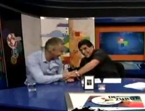 Lineker e Maradona (Foto: Reprodução da TV Telesur)