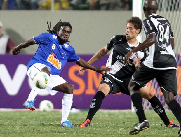 Tinga Cruzeiro x Ponte Preta (Foto: Ramon Bitencourt / Vipcomm)