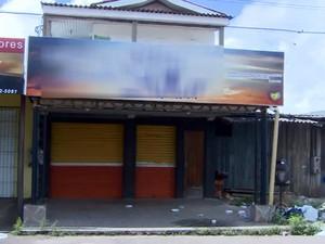 Episódio ocorreu em frente de igreja no bairro Novo Buritizal (Foto: Reprodução/TV Amapá)