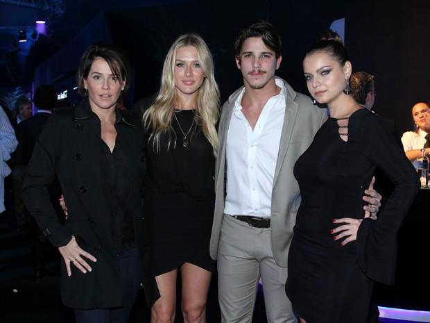 Deborah Secco, Fiorella Mattheis, Rômulo Neto e Milena Toscano em evento na Zona Sul do Rio (Foto: Alex Palarea/ Ag. News)