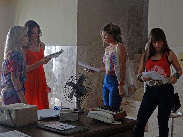As poderosas de Boogie! A diretora Tila Teixeira comanda o trio de gatas Bianca, Deborah e Alessandra (Foto: Maria Eduarda Freitas/Gshow)