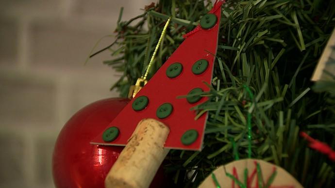 mistura com rodaika pinheirinho de natal rolha botão (Foto: Reprodução RBS TV)