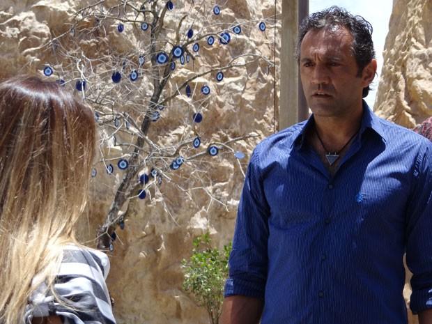 Zyah fica atordoado ao ver Bianca (Foto: Salve Jorge / TV Globo)