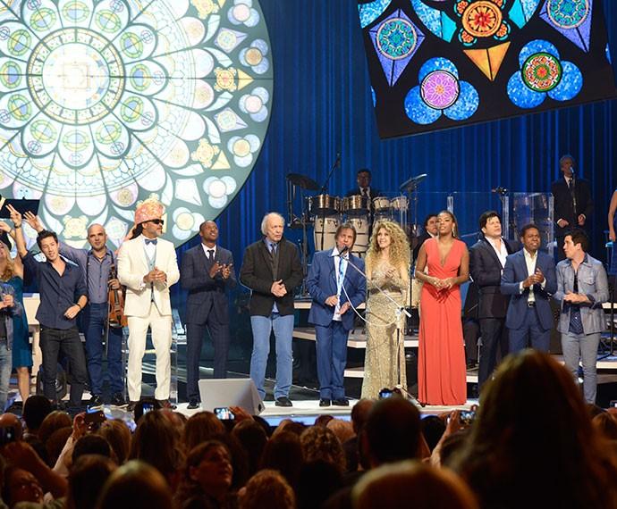 Cantores de várias gerações cantaram ao lado de Roberto Carlos (Foto: Ellen Soares/Gshow)