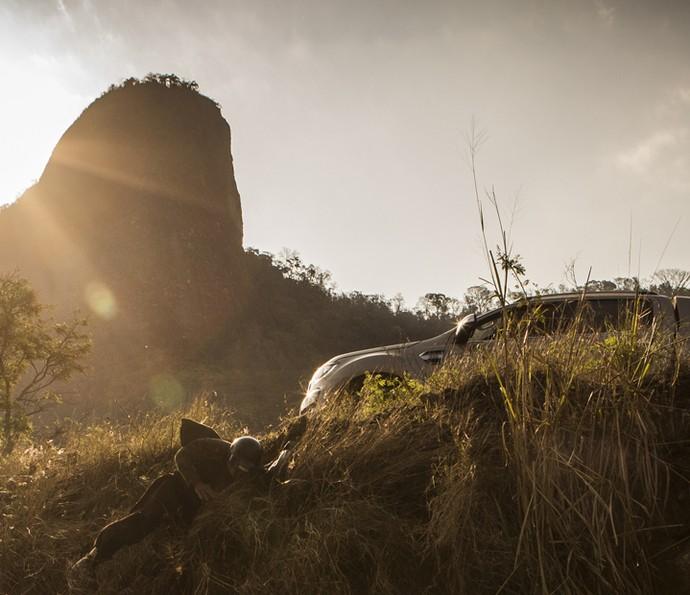 Martim cai ribanceira abaixo (Foto: Inácio Moraes/ Gshow)