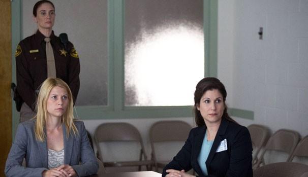 Os médicos dão avaliações positivas sobre Carrie, mas a CIA interfere (Foto: Divulgação/Reprodução)