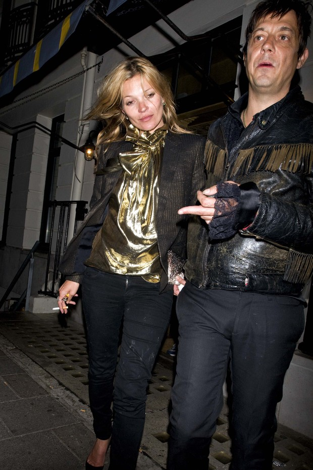 Kate Moss e Jamie Hince (Foto: Roger Bentley / Splash News)