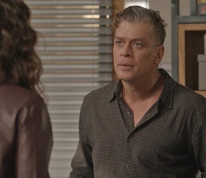 Arthur discute com Natasha (Foto: TV Globo)