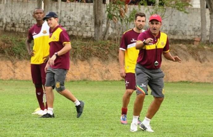 Técnico Marcelo Chamusca tem intensificado treinos do Sampaio (Foto: Sampaio / Divulgação)