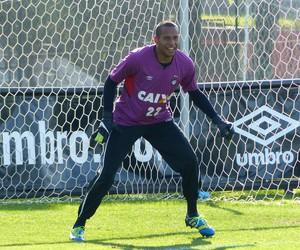 Rodolfo, goleiro Atlético-PR (Foto: Monique Silva)