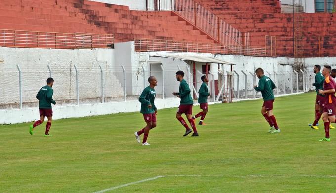Boa Esporte treina no CT da Rua Paraná (Foto: Régis Melo)