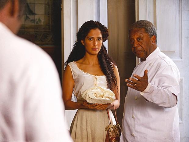 Isabel vai levar o almoço do pai e acaba discutindo com Zé Maria (Foto: Lado a Lado / TV Globo)