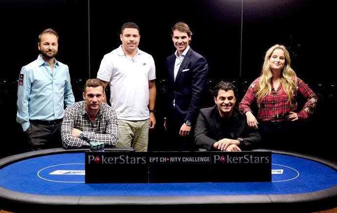 Ronaldo, Nadal e ex-jogadores jogando pôquer (Foto: Reuters)