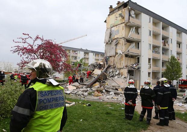 Prédio desabou em cidade francesa após suposta explosão provocada por vazamento de gás (Foto: Francois Nascimbeni/AFP)