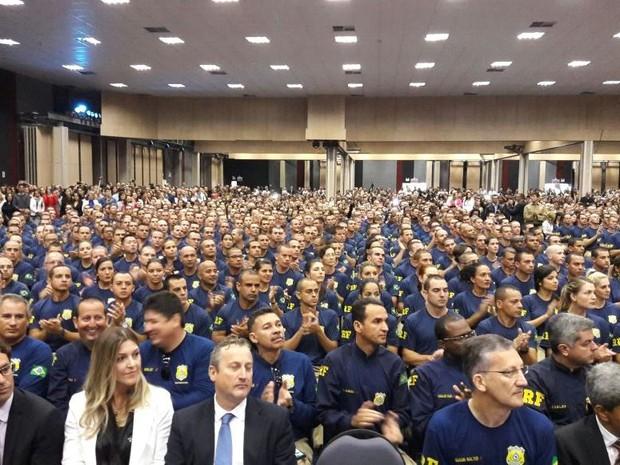 779 alunos da PRF se formaram nesta sexta-feira (20) (Foto: Fábio Cardoso/RBS TV)