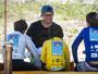 """Mineirinho vira juiz em evento de surfe para crianças: """"Tudo muito incrível"""""""