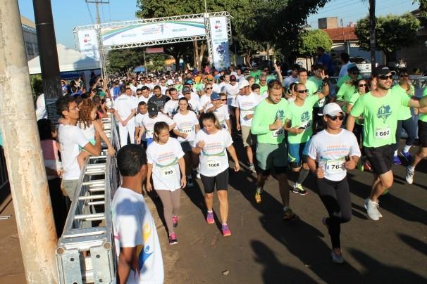 TV Anhanguera foi para a Corrida SESI do Trabalhador em Rio Verde. (Foto: TV Anhanguera)