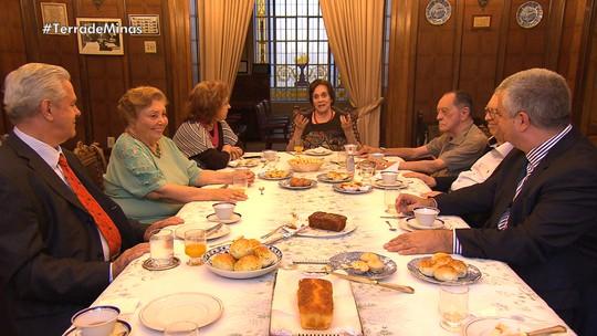 Academia Mineira de Letras é ponto de encontro de escritores há várias gerações