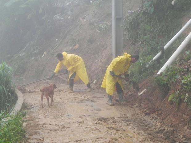 Um mar de lama tomou conta da Rua Vital Brasil, no Siméria (Foto: Chandy Teixeira)