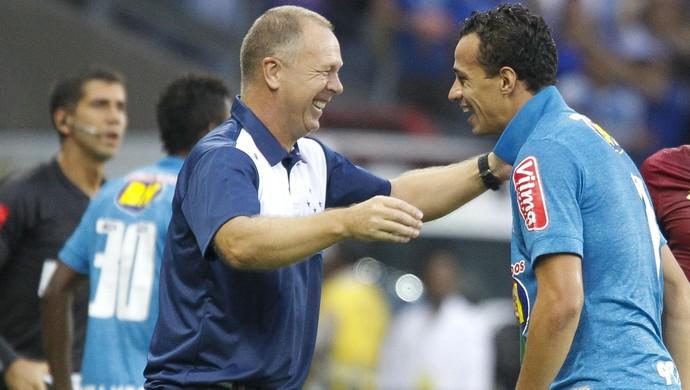 Cruzeiro; Leandro Damião; Mano Menezes (Foto: Washington Alves/Light Press)