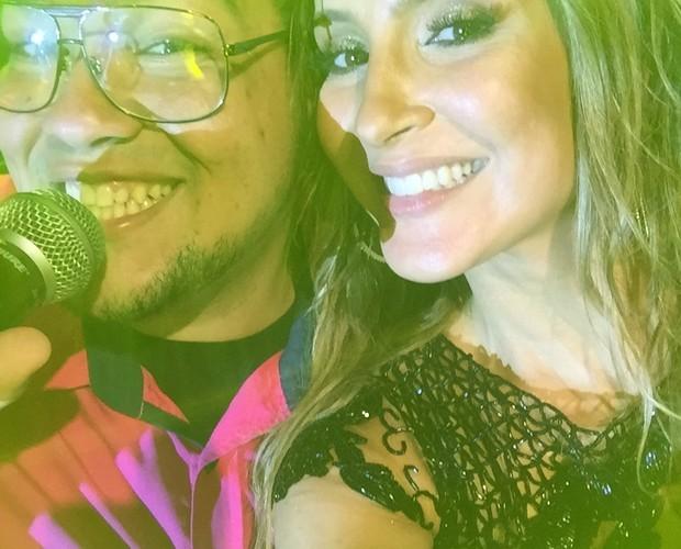 Lui Medeiros com Claudia Leitte, sua técnica durante o reality (Foto: Arquivo Pessoal)