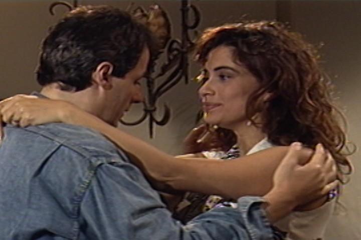 Vera se reconcilia com Breno e revela que est grvida (Foto: reproduo/viva)