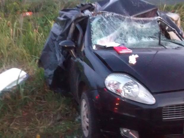Vítimas eram de uma mesma família e estavam em um carro com placas de Belo Horizonte. (Foto: Paula Magali/VC no G1)
