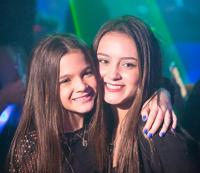 Mel e a irmã, Yasmin (Foto: Diogo Dubem)
