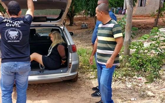 Condenada a 22 anos e seis meses de prisão por morte de ex-marido, Giselma Magalhães, de 52 anos, foi presa na cidade de Pontal do Araguaia (509 km ao Leste de Cuiabá), na manhã desta quinta-feira (6)  (Foto: Divulgação/Polícia Civil-MT)