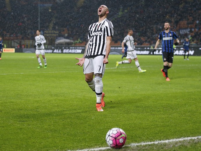 Zaza lamenta chance perdida no jogo do Juventus contra Internazionale (Foto: AP Photo/Antonio Calanni)