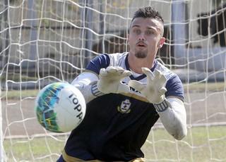 Milton Raphael, treino Macaé (Foto: Tiago Ferreira)