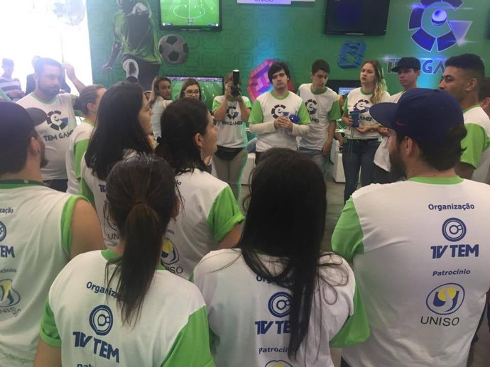 Equipes da Uniso e da TV TEM ajudaram na organização e cobertura do evento (Foto: Gabriel Morelli/G1)