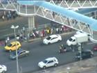 Colisão entre carro e moto deixa o trânsito lento na região do Iguatemi