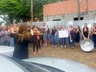 Prefeitura atrasa pagamentos e 13º e servidores protestam em Charqueada