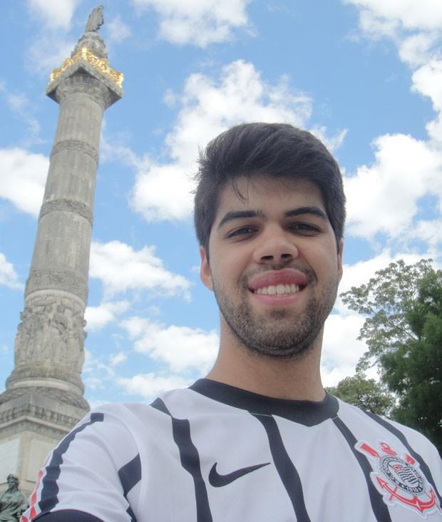 O brasileiro Gabriel Lopes, 20, de Diadema (SP), que mora em Bruxelas desde agosto de 2015; ele faz intercâmbio em uma universidade belga (Foto: Arquivo Pessoal)